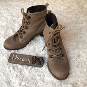 👢👢 KG by Kurt Geiger Lace Up Boot 👢👢